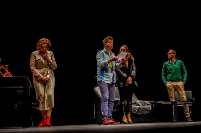 Representación teatral benéfica a favor de ASPRODESA, 'Bajo Terapia'