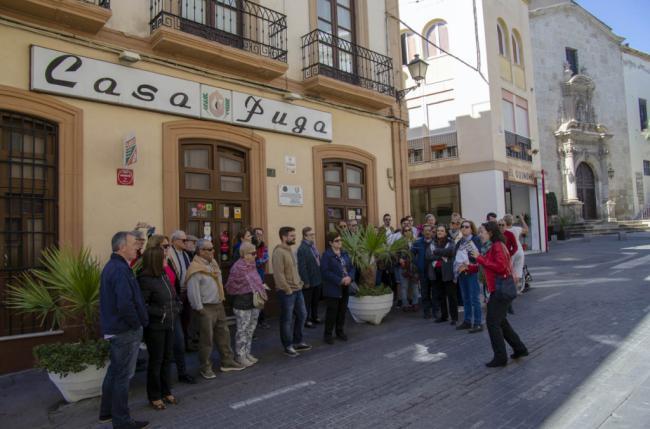 Medio centenar de turistas se adentran en la sabrosa historia de la Capital Gastronómica