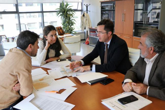 El alcalde de El Ejido y la delegada de Agricultura analizan las cuestiones pendientes