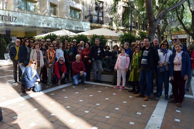Amigos de la Alcazaba realiza un paseo 'de película' por el patrimonio de la ciudad