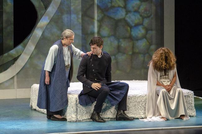 'Fedra' sobrecoge en un intenso drama con sello almeriense