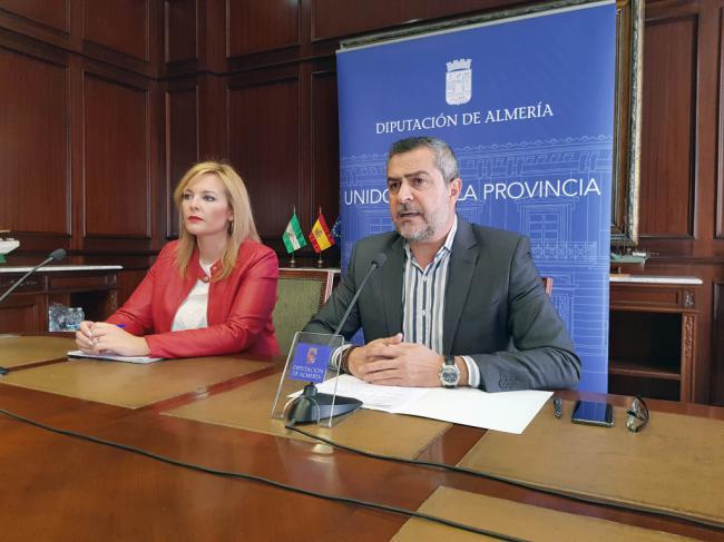 El PSOE acusa al PP de Diputación de beneficiar a Roquetas