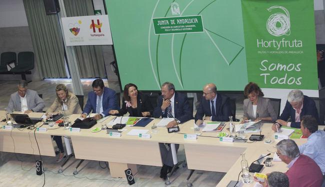 Crespo invita a Hortyfruta al grupo de trabajo sobre ayudas a la fusión de entidades