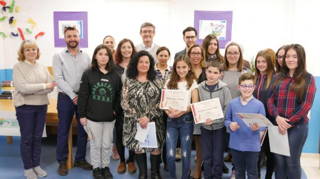 Entregados los premios del V Certamen de Poesía Escolar y del V Certamen de Poesía para Adultos en Adra