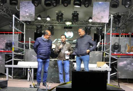 El concejal Carlos Sánchez ofrece el pregón de Carnaval de Felix