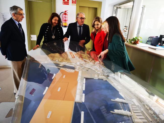 Caicedo expone a Crespo los proyectos para el Puerto y mejora de calidad del aire