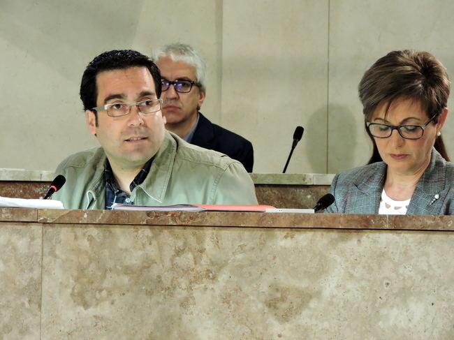 El PSOE pide ahora explicaciones por el viaje de unos concejales hace 15 años
