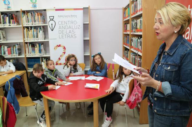 Cuarenta escolares de Alcolea participan en el Día del Libro Infantil