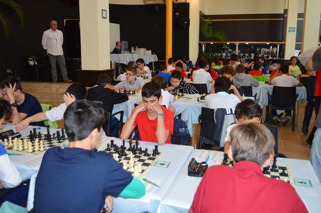 Los jóvenes almerienses demuestran su pasión y talento sobre el tablero del ajedrez