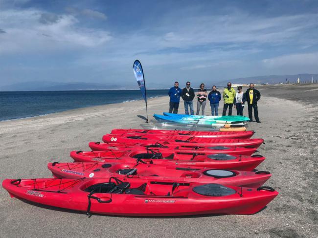 La Asociación de Empresas de Kayak se adhiere a Almería 2019 en la promoción del turismo