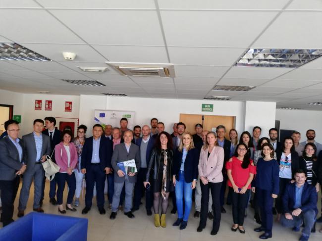 Almería atrae a 23 operadores extranjeros en el encuentro con la industria auxiliar de la agricultura