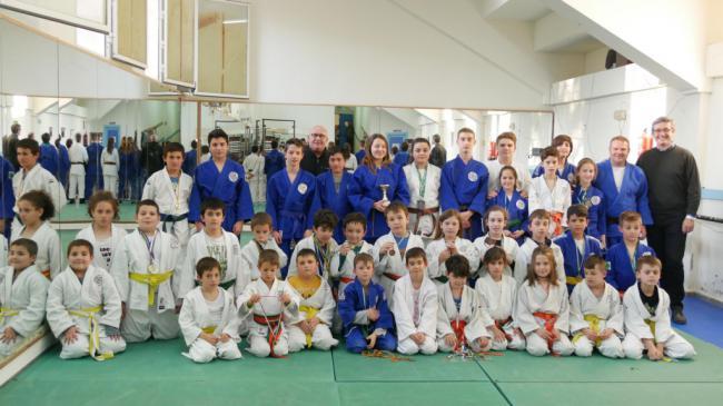 Escuela de Judo de Adra consigue siete medallas y tres cinturones negros