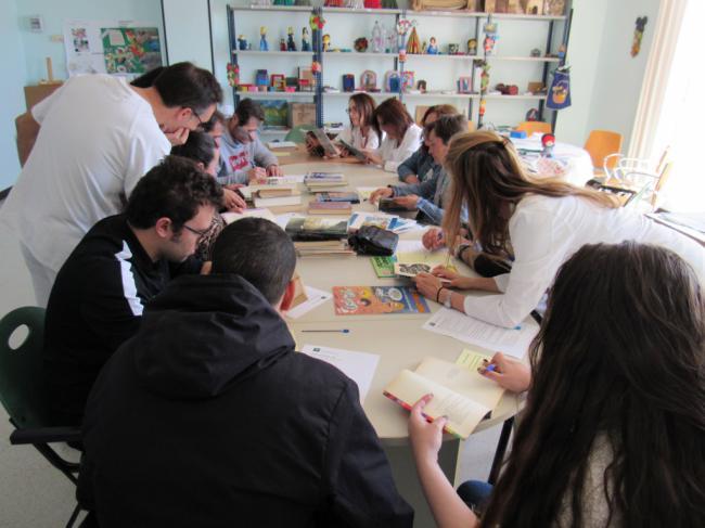 Pacientes de Salud Mental del Hospital de Poniente crean su propia Biblioteca
