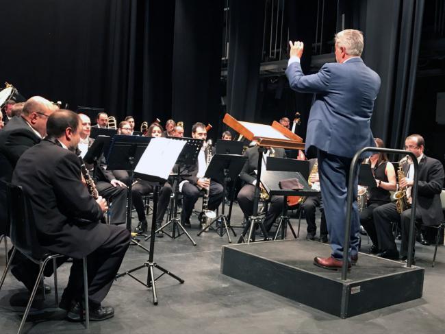 La Banda Municipal ofrece un espléndido concierto en el Apolo