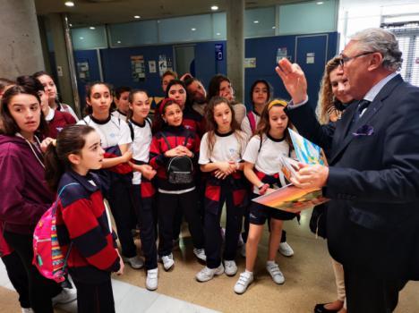 Escolares del Juan Pablo II de Almería visitan la Lonja del Pescado