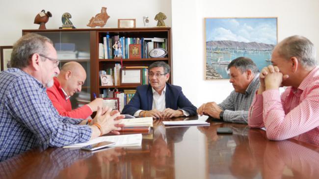Firmado el proyecto de mejora de siete calles en Adra, Puente del Río y La Curva
