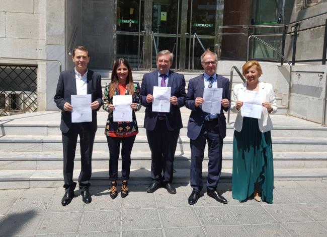 Los diputados y senadores del PSOE de Almería tendrán competencias en dieciséis comisiones