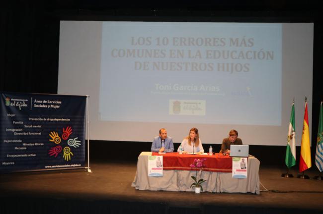El Ayuntamiento de El Ejido conmemora el Día Internacional de las Familias