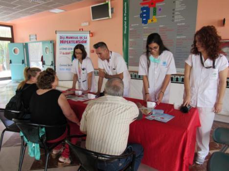 El Hospital de Poniente celebra el Día Mundial contra la Hipertensión