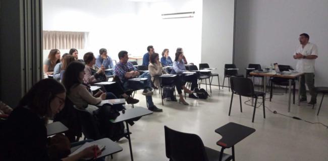 Médicos de familia amplían su formación en Dermatología en el Hospital del Poniente
