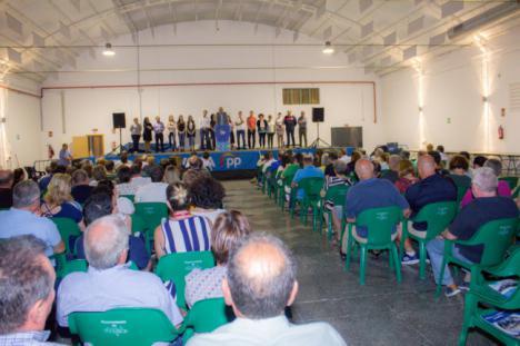 Góngora llena en el mitin de la Aldeilla y defiende una agricultura sostenible