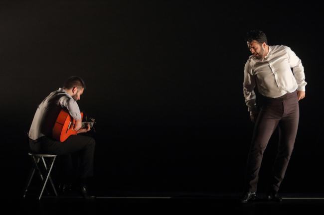 Elegancia y pasión en '1993' del bailaor almeriense Julio Ruiz