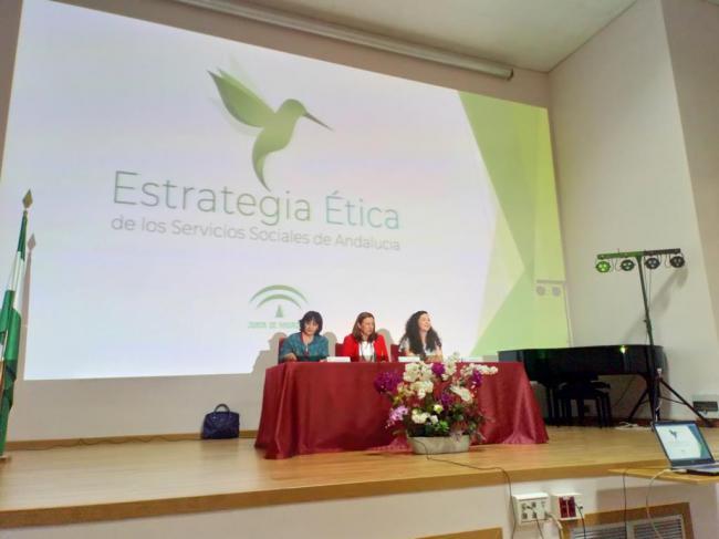 Un centenar de profesionales hablan de Estrategia Ética de los Servicios sociales