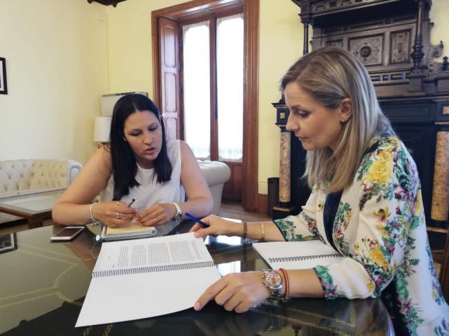 La delegada del Gobierno de la Junta se reúne con la Asociación ASALER