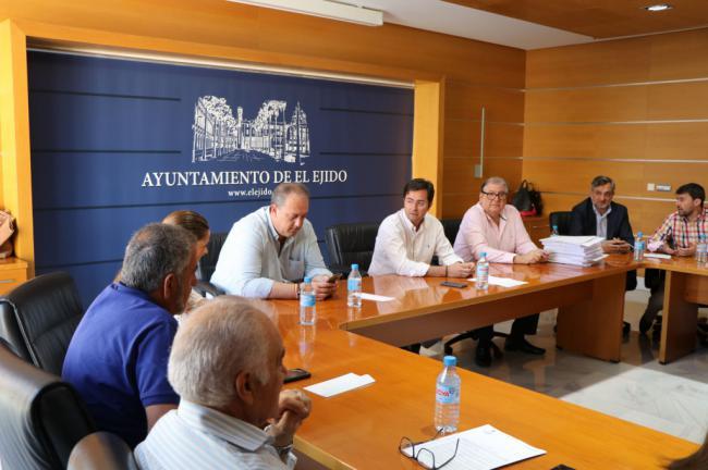 El Ayuntamiento de El Ejido adjudica el mantenimiento de caminos rurales por 90.000 euros