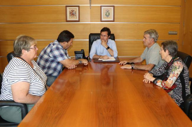 El Ayuntamiento y los vecinos de Guardias Viejas exigen una actuación de urgencia para proteger la playa