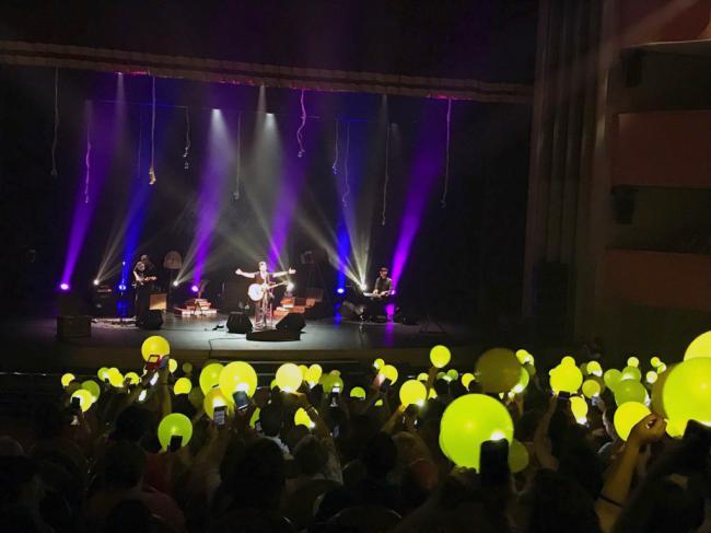 Los '20 años' de música de David DeMaría conquistan los corazones de los almerienses
