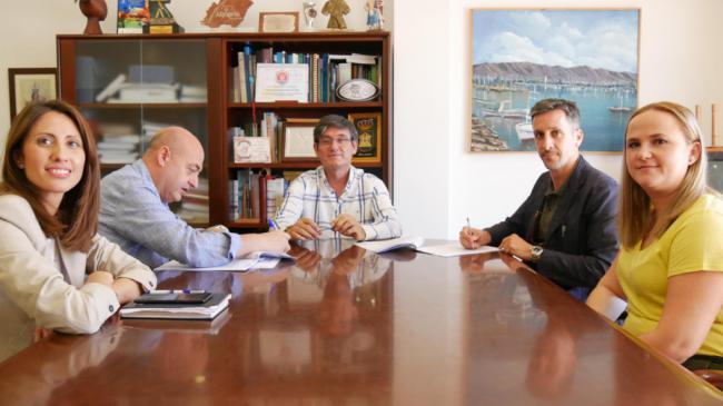 Firmado el contrato para la redacción del Plan 'Adra Ciudad Turística'