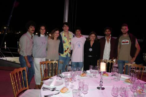 El Puerto Deportivo de Almerimar acoge una cena de 'cine' con el Teatro Comestible