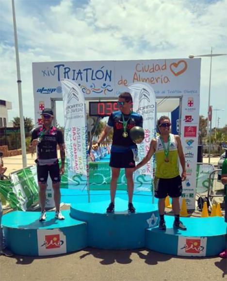 Camilo Puertas y Rocío Molas triunfan en el XIV Triatlón Ciudad de Almería