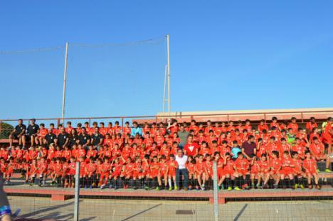 La Escuela de Fútbol EDA despide la temporada con la entrega de medallas
