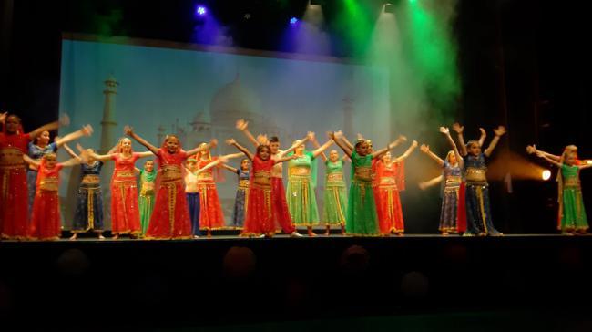 La asociación JFSalsa llena el Centro Cultural de Adra con 'La Bodeguita del Medio'