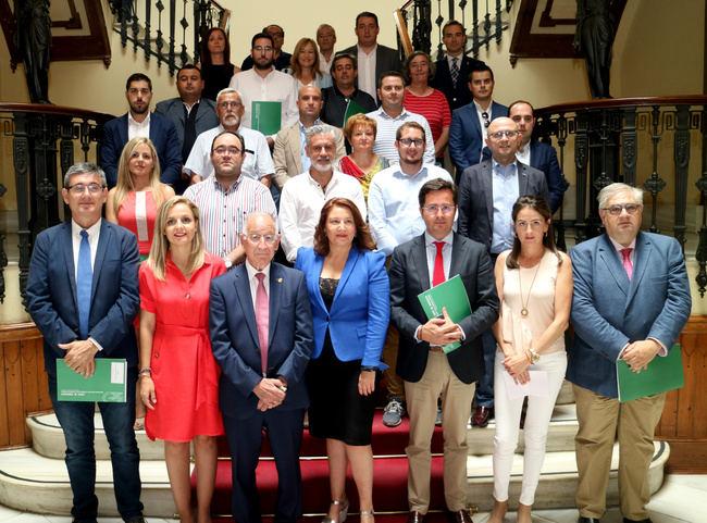 Agricultura destinará 100 millones de euros a caminos rurales entre 2019-2020