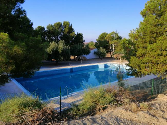 Taberno mantiene cerrada su piscina municipal en julio