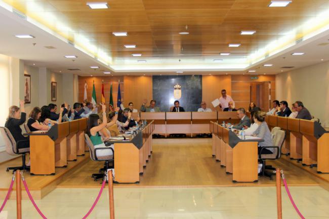 El alcalde de El Ejido justifica las liberaciones de los ediles de Vox