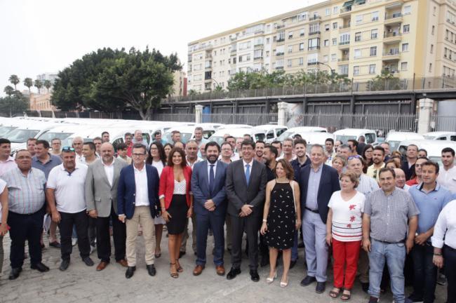 La Junta entre vehículos a 19 entidades locales de Almería