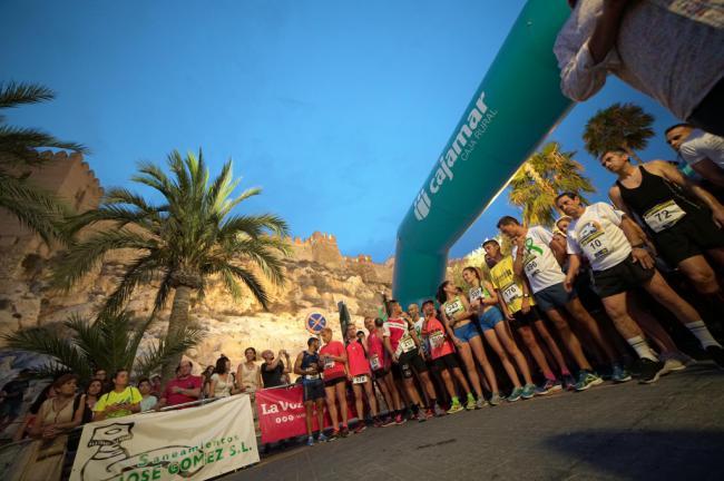 El casco histórico de Almería se llena de running solidario