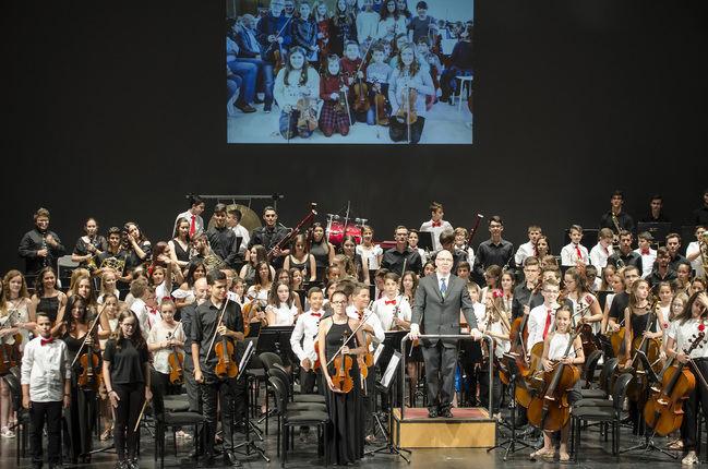 El Maestro Padilla recibe 'La increíble historia de la música'