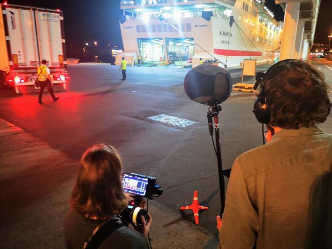 El puerto acoge el rodaje de una película holandesa en pleno Paso del Estrecho