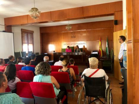 La delegada de Agricultura destaca el valor del cultivo del almendro en el Almanzora
