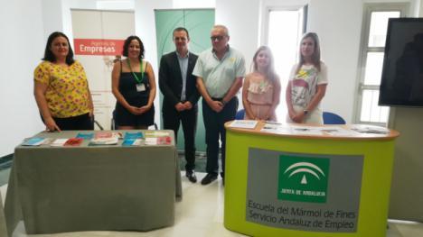 El SAE, la Escuela del Mármol y Andalucía Emprende y participan en la I Feria de Empleo Juvenil de Purchena