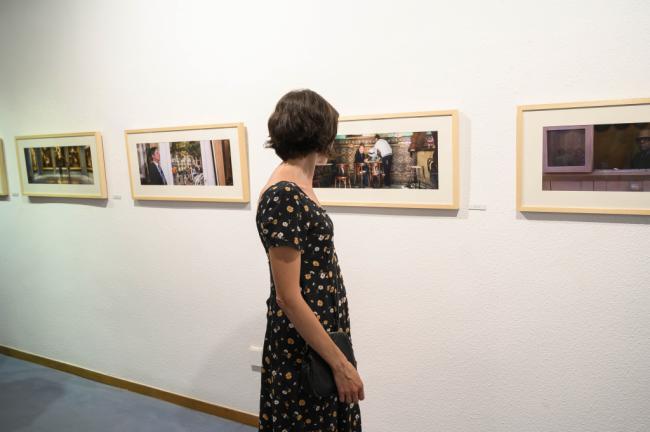 Antonio Jesús García 'Che' ofrecerá dos visitas guiadas a su exposición, 'Multiversos'