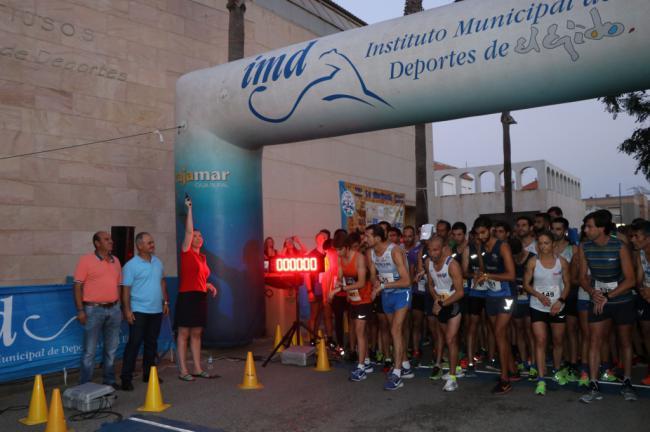 Cerca de medio millar de runners hacen la Carrera Nocturna de Balerma