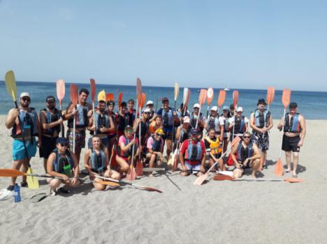 Los abderitanos disfrutan de una ruta en kayak por Cabo de Gata