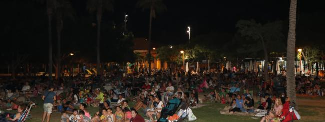 1.000 personas en el Cine de Verano de El Ejido