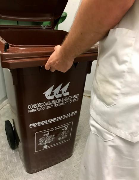 El hospital La Inmaculada recoge ya de forma selectiva los residuos orgánicos